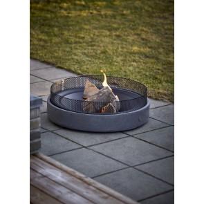 Circle Bålfad dia. 76 cm højde 22,5 cm i sort stål og i grå MgO