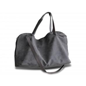 Asta Weekendtaske i læderlook med hanke og skulderstrop i brun kanvas. 70 x 26 x 40 cm